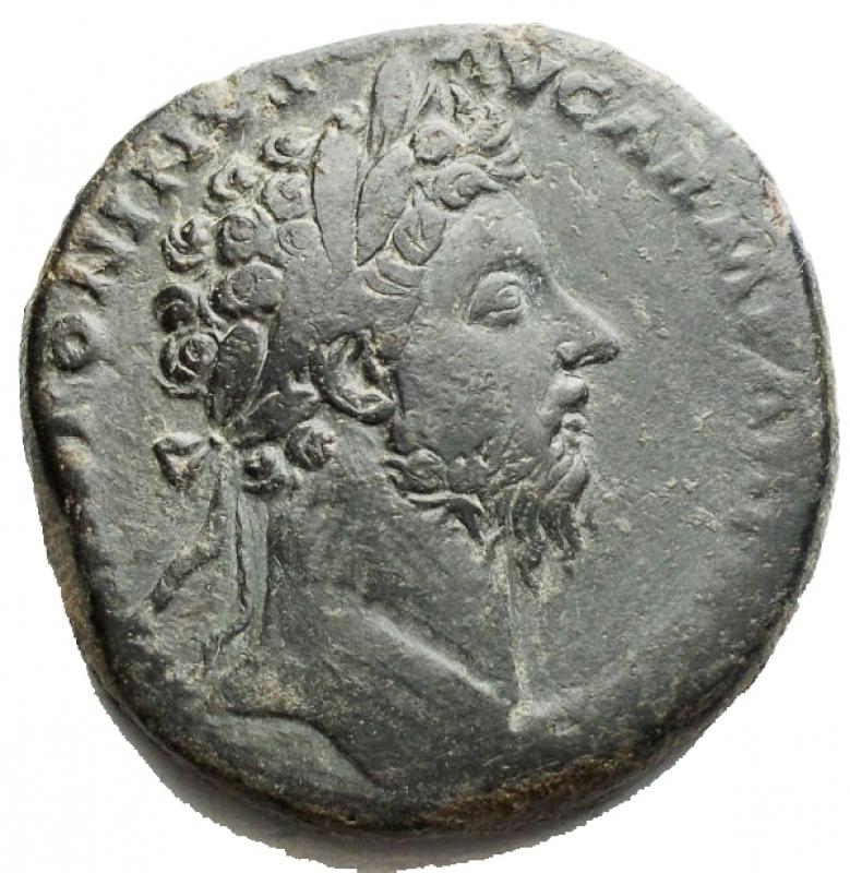 obverse: Impero Romano - Marco Aurelio (161-180), Sesterzio, Roma, 166-167 d.C.; AE g 23,59 d/ Testa laureata a ds r/ la Vittoria avanza verso sn con corona e trofeo; ai lati S - C. RIC 948; C 815. Patina verde. qBB