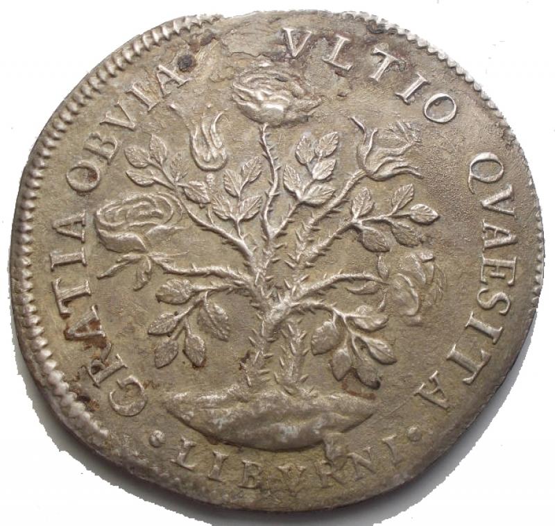 reverse: Zecche Italiane - LIVORNO Cosimo III (1670-1723) Pezza della rosa 1684 - CNI 23; MIR 66/2 AG (g 25,2) RR Millesimo molto raro. BB-SPL. Imperfezioni. Patina
