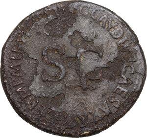 reverse: Agrippina senior, daughter of Agrippa, wife of Germanicus (died in 33 AD). . AE Sestertius. Struck under Claudius