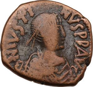 obverse: Justin I (518-527).. AE Follis, Constantinople mint, 522-527