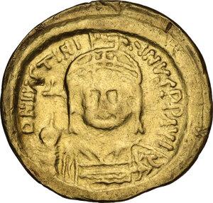 obverse: Justinian I (527-565).. AV Solidus, Constantinople mint, 542-552