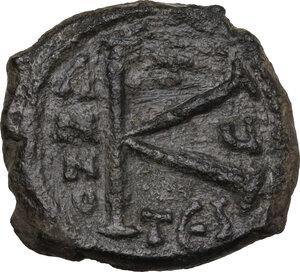 reverse: Justin II and Sophia (565-578).. AE Half Follis, Thessalonica mint, daten RY 5 (569/570)