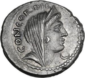 obverse: L. Mussidius Longus. AR Denarius, 42 BC
