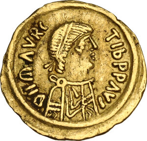 obverse: Lombardic Italy. Authari (584-590) to Agilulf (590-615). AV Tremissis in the name of Maurice Tiberius (582-602). Lombardy, c. 584-615 AD,