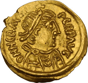 obverse: Lombardic Italy. Adalwald (615-624), Ariwald (624-636) or Rothari (636-652). AV Tremissis in the name of Heraclius. Uncertain mint in Tuscany
