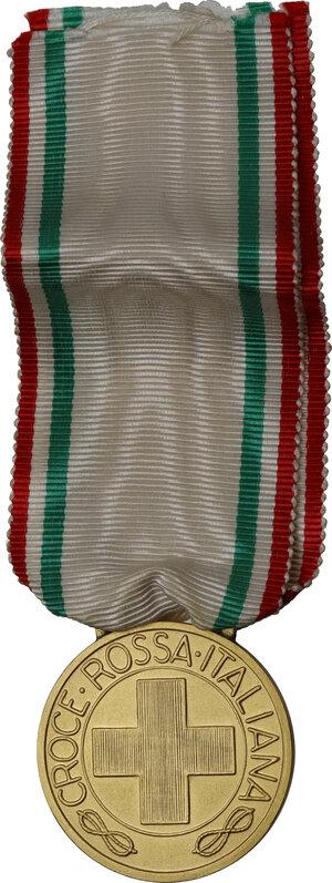 obverse: Vittorio Emanuele III (1869-1943). Medaglia Croce Rossa Italiana ai Benemerenti
