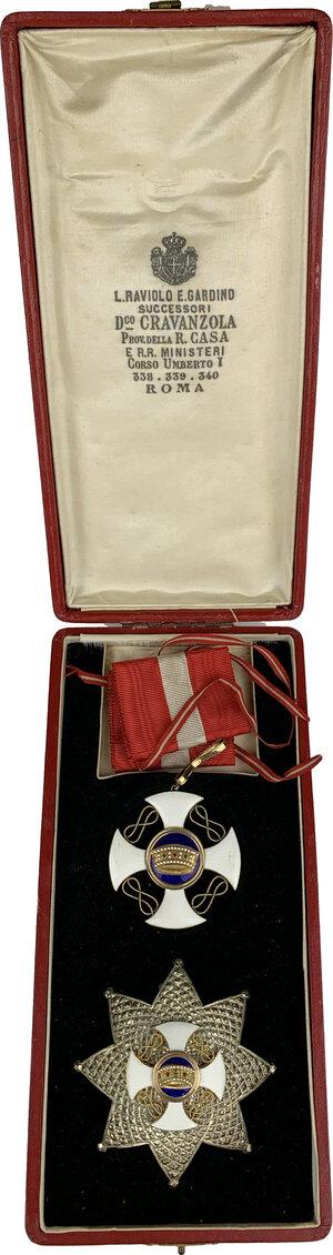 obverse: Vittorio Emanuele III (1900-1943). Croce e placca da Grand Ufficiale dell ordine della Corona d Italia, con nastrino originale. In aggiunta: Croce da ufficiale dell ordine della Corona d Italia, con nastrino originale