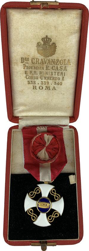 reverse: Vittorio Emanuele III (1900-1943). Croce e placca da Grand Ufficiale dell ordine della Corona d Italia, con nastrino originale. In aggiunta: Croce da ufficiale dell ordine della Corona d Italia, con nastrino originale