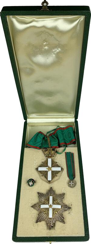 obverse: Ordine al Merito della Repubblica Italiana. Croce d ordinanza con nastro da collo, placca, miniatura e rosetta da occhiello da Grand Ufficiale