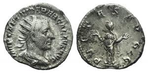 Trebonianus Gallus (251-253). AR Antoninianus. Rome, 251/2. R/ PIETAS
